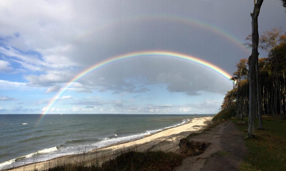 Doppelregenbogen über der Ostsee