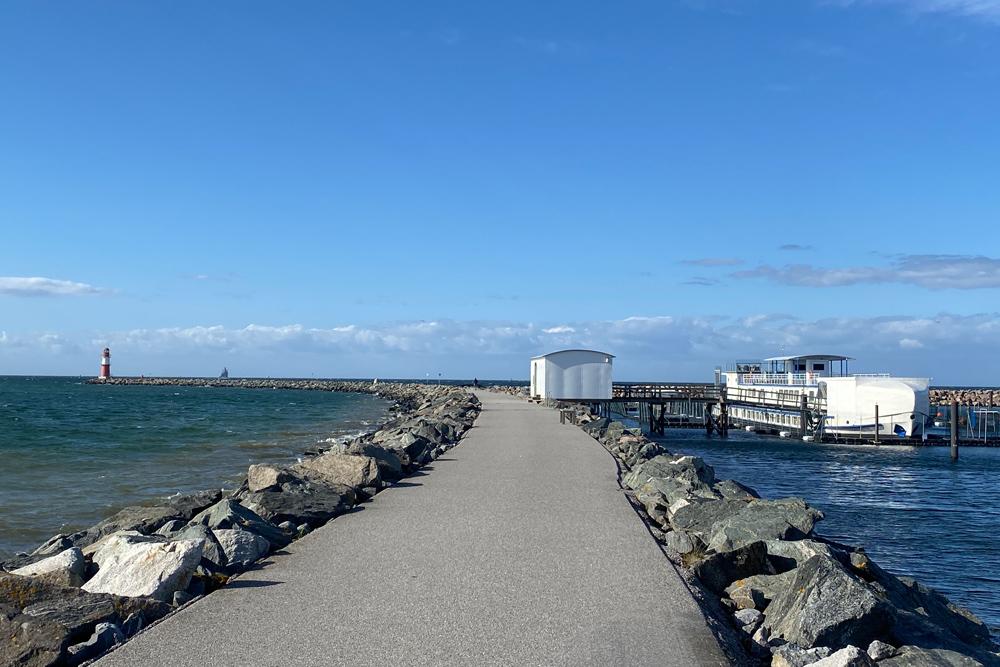 Ostmole mit Robbenforschungszentrum