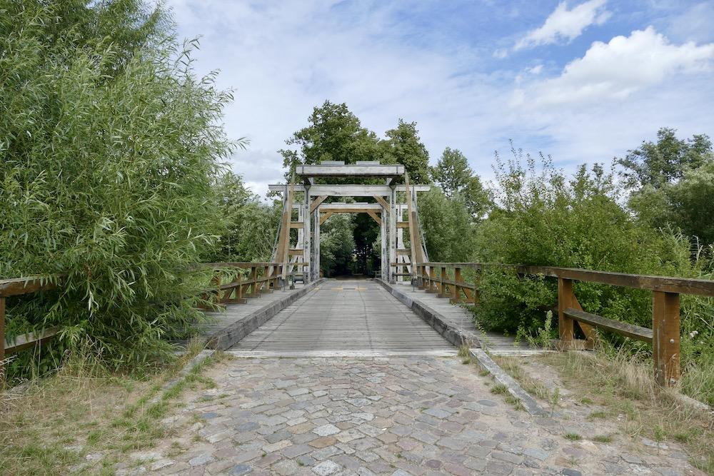 Klappbrücke über die Trebel