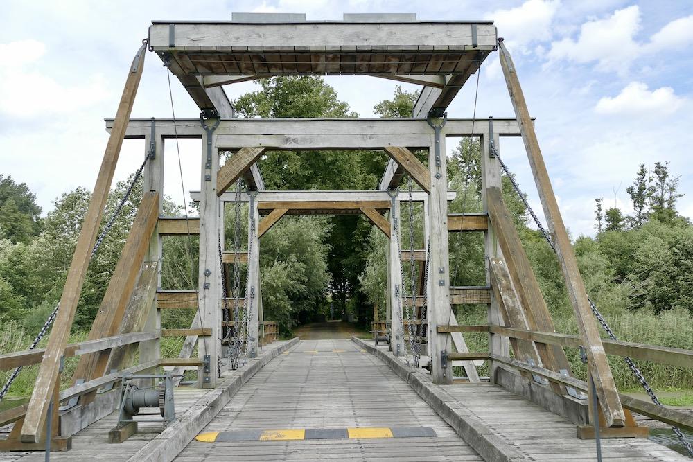 Holzbrücke über die Trebel